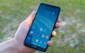 Ya puedes comprar móviles todo pantalla en formato 18:9 por menos de 200$